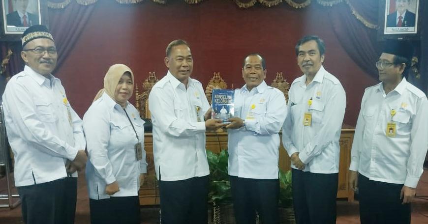 Luncurkan Karya Terbaru, Prof Mungin Ajak Dalami Konseling Kelompok