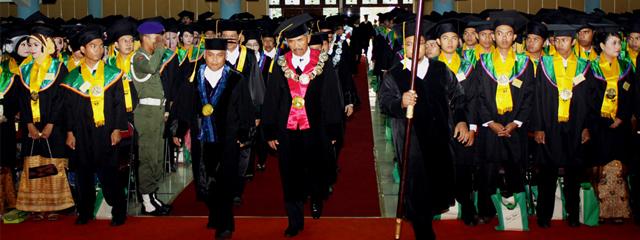 Pendaftaran Wisuda Periode I Tahun 2013 Dibuka