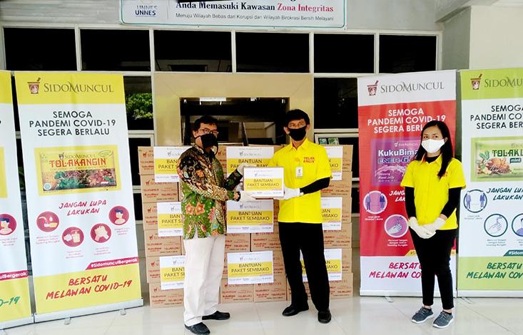 PT Sido Muncul Berikan Paket Sembako Kepada Rumah Amal Lazis UNNES