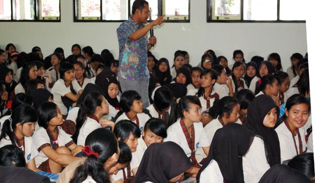 Sosialisasikan SNMPTN, Unnes Kunjungi Sejumlah Sekolah