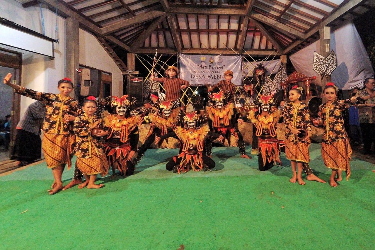 Mahasiswa KKN UNNES Persembahkan Tari Lembu Tanon sebagai Ikon Desa Wisata Menari