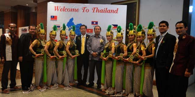 Unnes Pentaskan Kesenian di Thailand