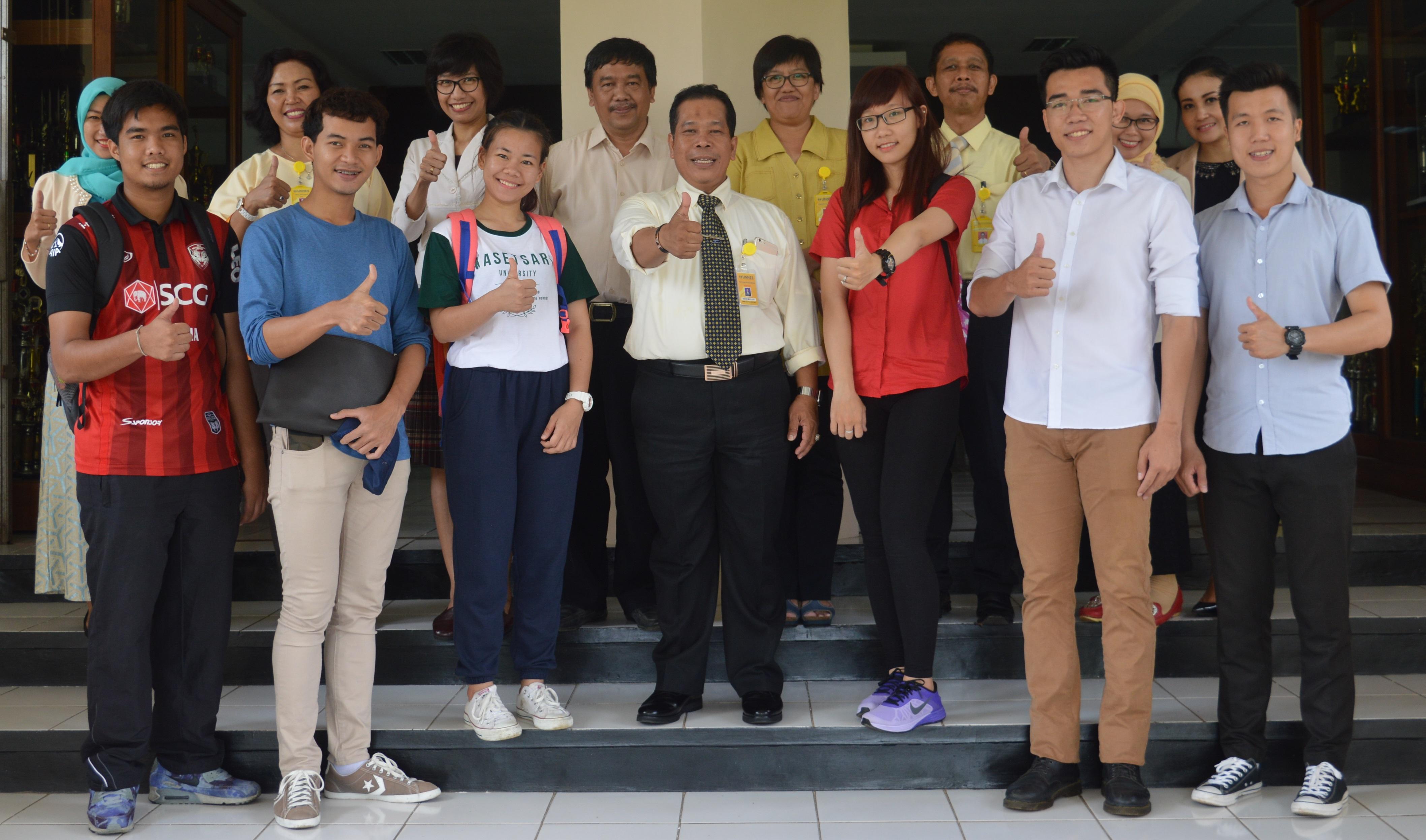 Enam Mahasiswa Vietnam dan Thailand Belajar di Unnes