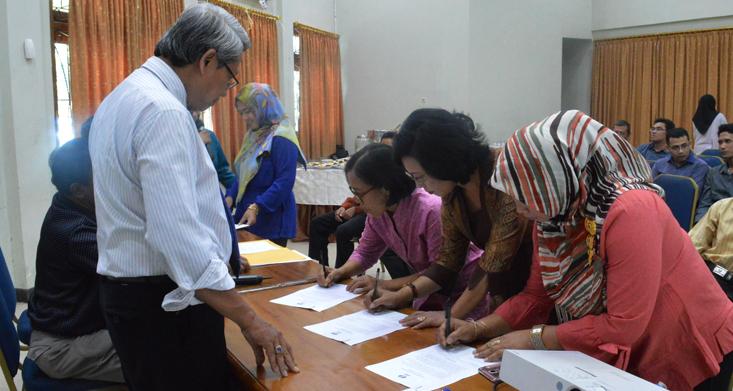 Biro Akademik, Kemahasiswaan, dan Kerjasama Lakukan Pakta Integritas
