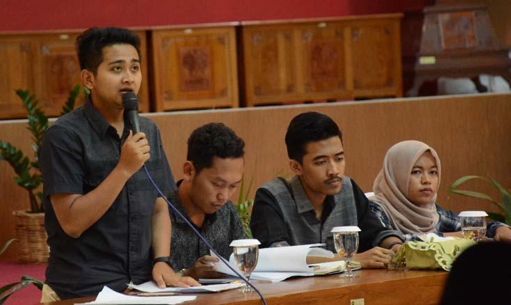 Debat Terbuka Uang Pangkal, Rektor dan Mahasiswa Beradu Argumentasi