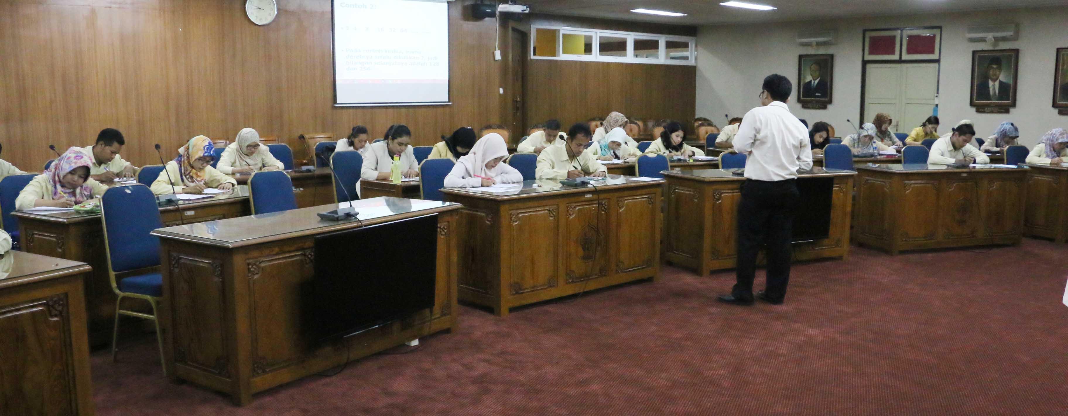 124 Orang Berebut Kursi Jadi Pegawai Tetap Non PNS Unnes
