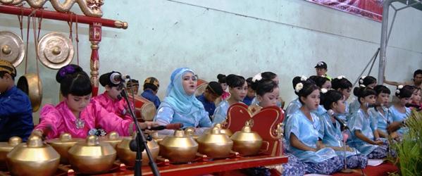 Sejak Dini, SD Lab School Ajarkan Budaya Jawa