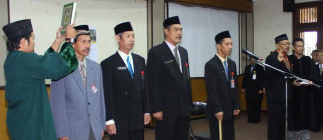 Promosi Jabatan Baru: Empat Pejabat Unnes Dilantik
