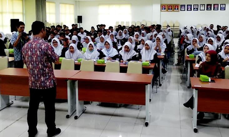 148 Siswa dan 15 Guru SMA Al Hasra Kota Depok Jabar Kunjungi UNNES