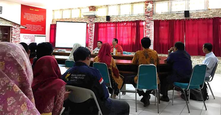 Prodi Ilmu Politik UNNES Gelar Kuliah Umum Bersama Kepala P2P LIPI
