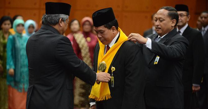 Mendikbud Lantik Prof Fathur Jadi Rektor Unnes