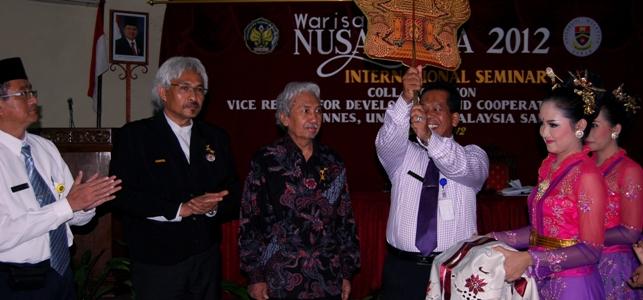 Merembuk Isu Seni dan Budaya Nusantara